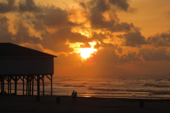 Beautiful sun rise along the Seawall.
