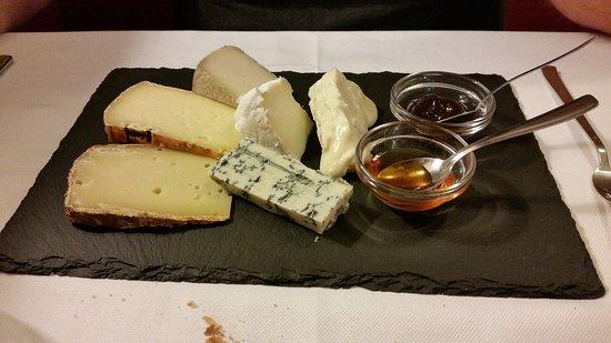 Gattinara, Italia: Misto di formaggi