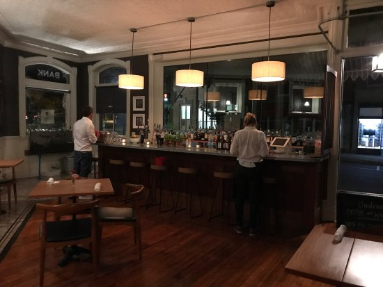 Belfast, ME: Ondine Oyster and Wine Bar