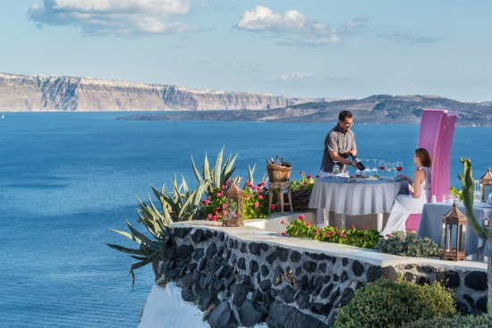 Lycabettus Restaurant : Wine tasting session on the cliff