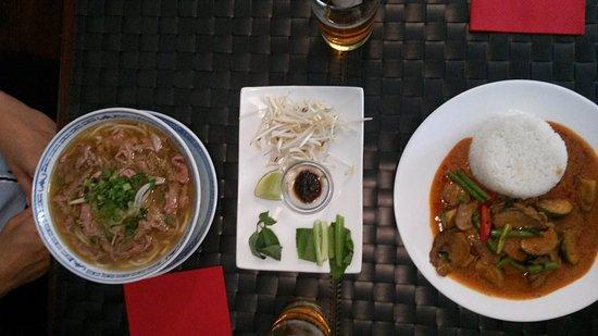 Photo of Asian Restaurant Viet-Thai Restaurant at Kanonengasse 31, Zurich 8004, Switzerland
