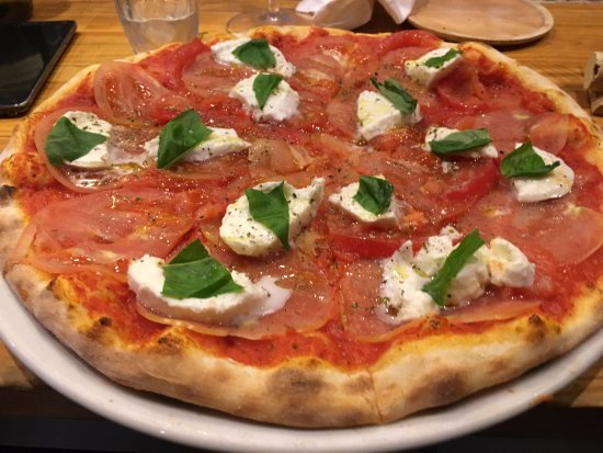 Amagasaki, Jepang: Pizza caprese