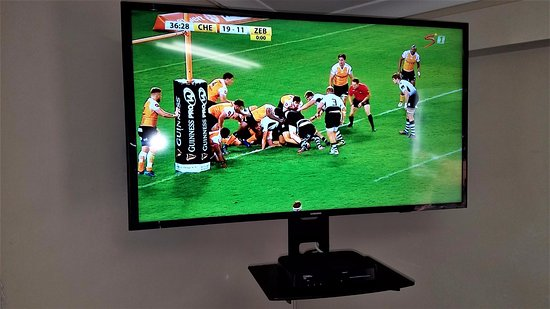 Umkomaas, South Africa: Wall-mounted LED Television + DSTV Decoder