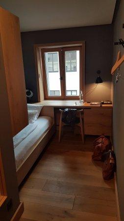 Hotel Wedina: Dejligt værelse - sengen kort hvis du er over 185cm (værelse 126)