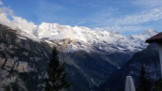 Lauterbrunnen Valley Waterfalls: Back to Murren