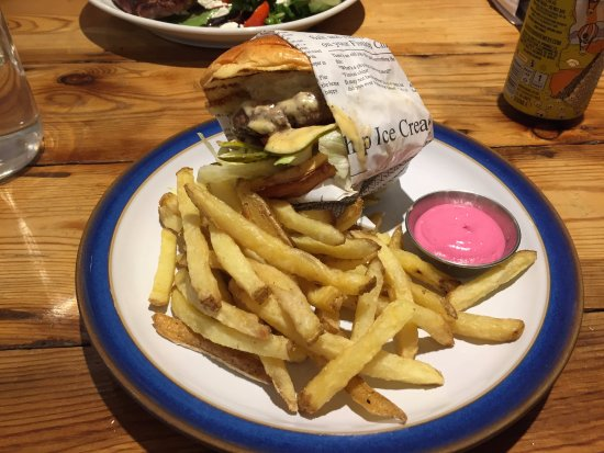 Barking, UK: Cristina burger - the pink stuff is beetroot mayo!