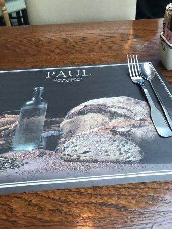 Farwaniya, Kuwait: Paul Restaurant & Bakery