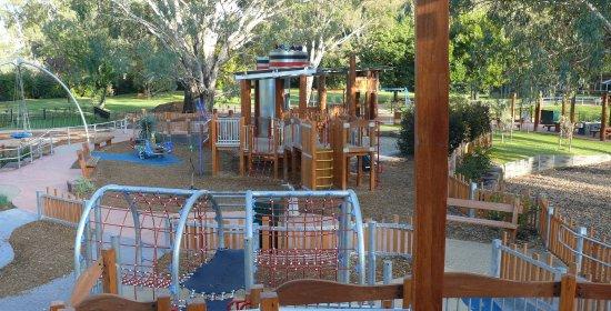 Albury Paddlesteamer: Kiddies heaven at Oddies Adventure Playspace - opposite the Motel