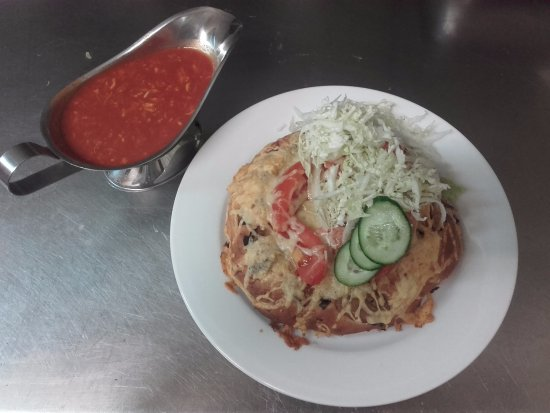 Stargard Szczecinski, Polen: #pizzasrargardzka served in another way :)