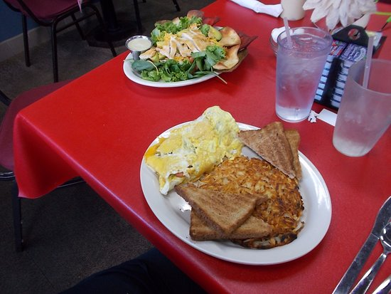 ‪‪Rhinelander‬, ‪Wisconsin‬: GREAT FOOD AT R & T's Dinky Diner, Rhinelander, Wisconsin.‬