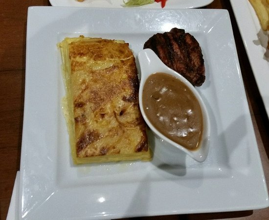 Castle Hill, ออสเตรเลีย: Petite Beef fillet with mushroom sauce