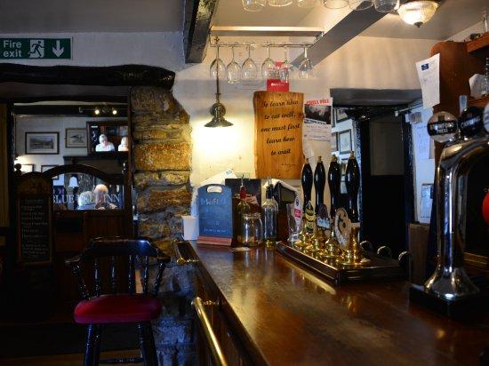 Kettlewell, UK : Bar at Bluebell