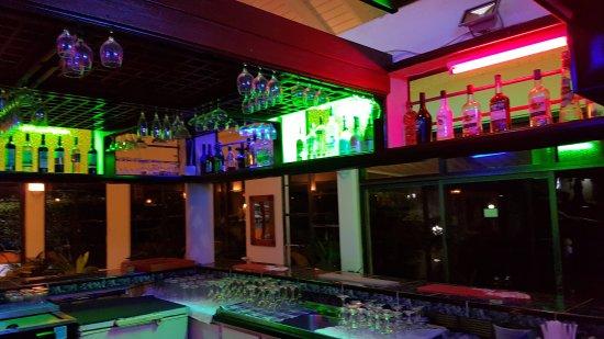 Evergreen Hotel: bar
