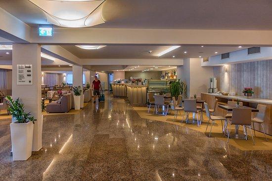 Hotel Zorna: Bar