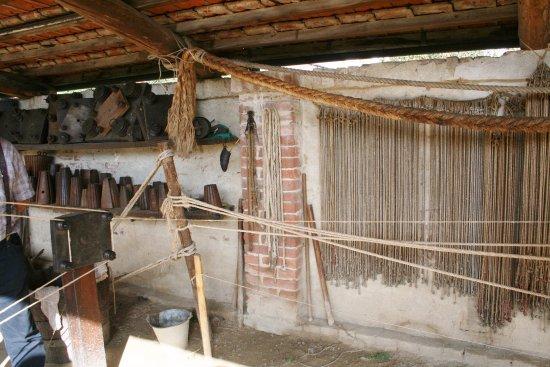Strumenti Per Lavorare Il Legno : Strumenti di legno per lavorare la canapa e fabbricare corde di
