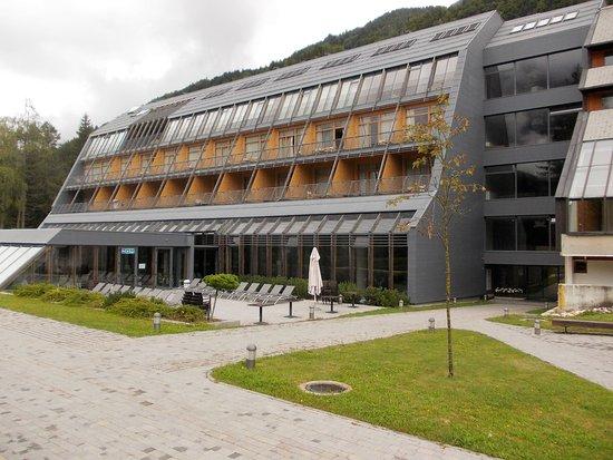 Hotel spik alpine wellness resort slovenia gozd martuljek for Wellness hotel slovenia