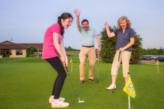 Kirtlington, UK: Kirtlington Golf Club - family membership available 