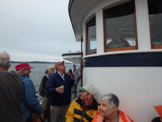 Portsmouth Harbor Cruises: The Captain was friendly and informative!