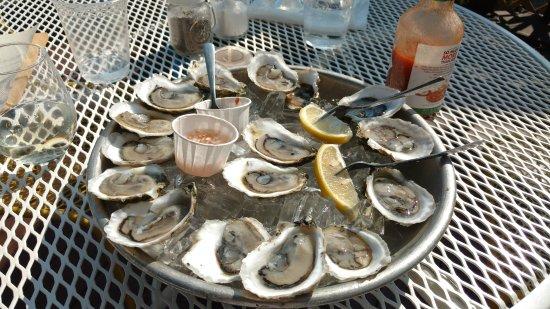 Oyster Club: buck a shuck