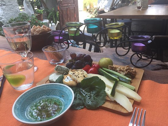 Bijout Boutique Cafe : Beautiful food in a tranquil courtyard!