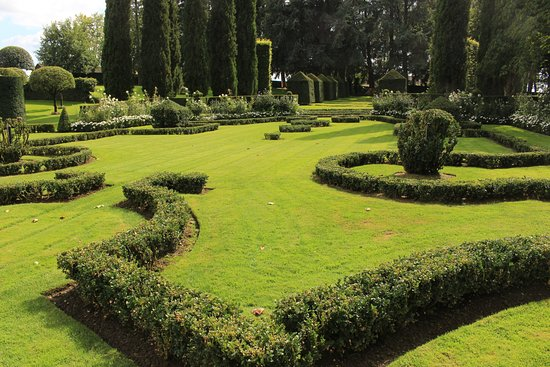 Il giardino alla francese picture of les jardins du - Giardino francese ...