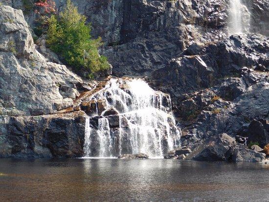 Agawa Canyon Tour Train: Waterfall at the Canyon