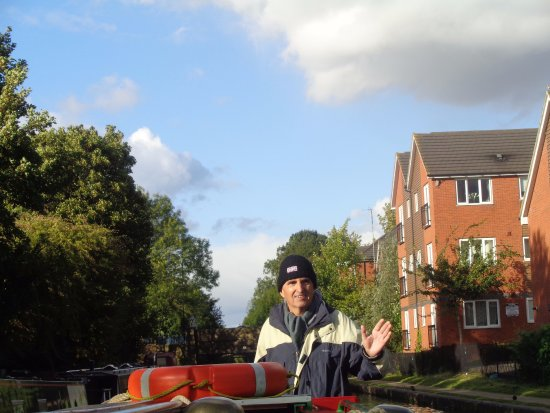Rugby, UK: On the Coventry Canal heading towards Coventry city centre