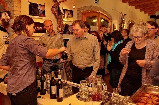 Монор, Венгрия: Mozi a pincefaluban, mozizni - az valami egészen különleges élmény.