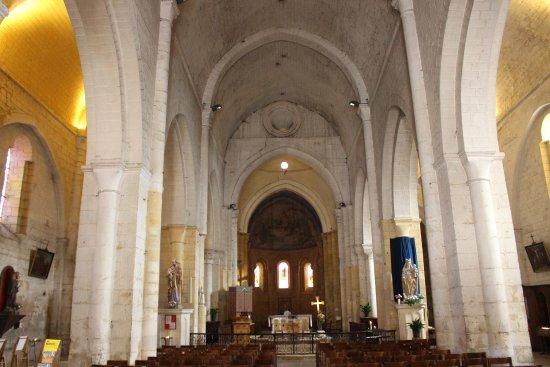 Cadouin, Frankrijk: Chiesa