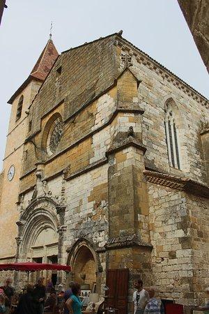 Monpazier, France : Chiesa