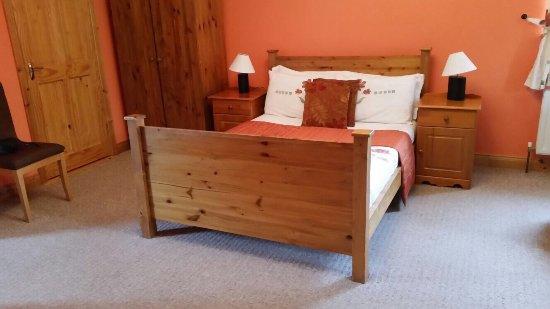 The Heeneys Lodge: photo3.jpg