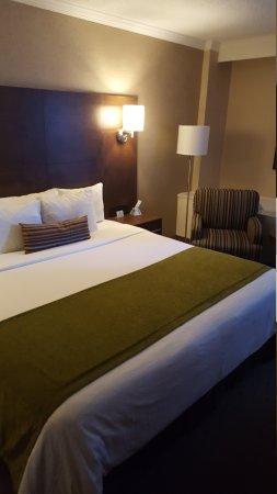Best Western Ville-Marie Montreal Hotel & Suites : 20170913_140652_large.jpg