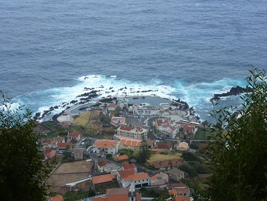 Porto Moniz Natural Swimming Pools: View from the high ground behind