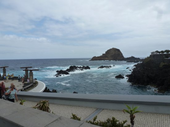 Porto Moniz Natural Swimming Pools: Dramatic rock formations