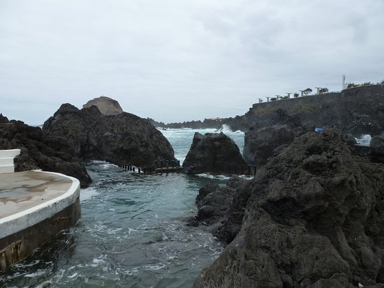 Porto Moniz Natural Swimming Pools: Rocky pools