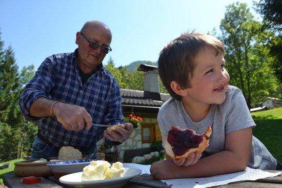Tonadico, Italia: Cornelio e la merenda