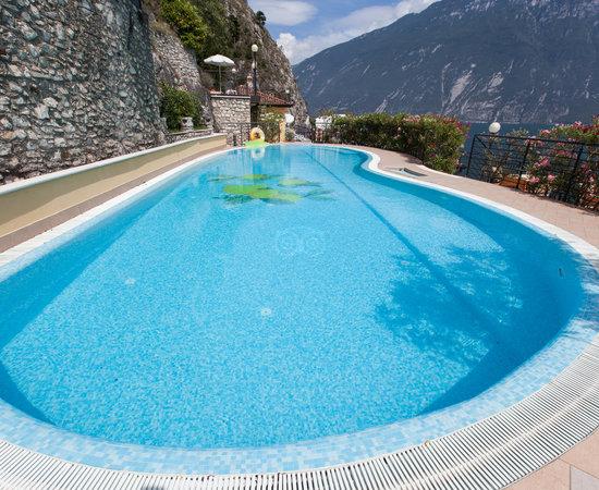 Hotel villa dirce bewertungen fotos preisvergleich for Swimming pool preisvergleich
