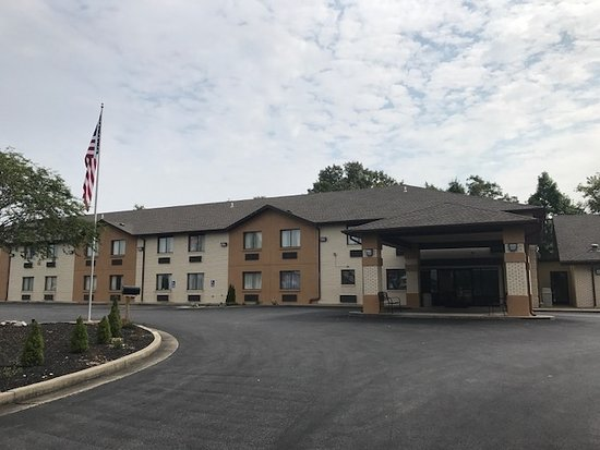 Quality Inn & Suites Metropolis I-24