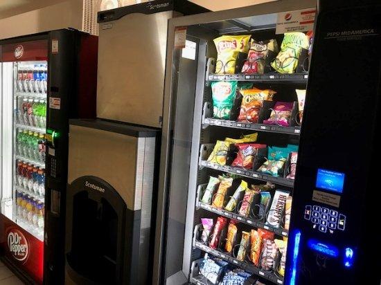 Metropolis, إلينوي: vending/snack