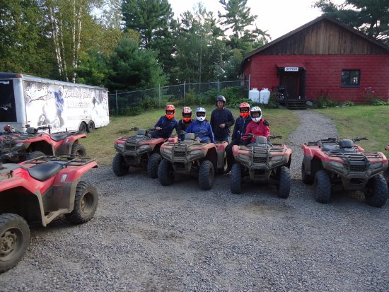 Dwight, Kanada: Back Country Tours -The Chapman Family