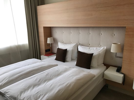 picture of side design hotel hamburg hamburg. Black Bedroom Furniture Sets. Home Design Ideas