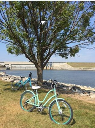 Warsaw, MO: Bike Trail to Truman Dam