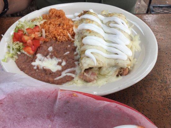 Casa Rio : chicken enchiladas