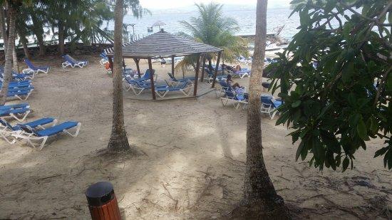 Carayou Hotel & Spa: Plage privée