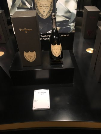 Moet et Chandon Champagne Cellars: photo2.jpg