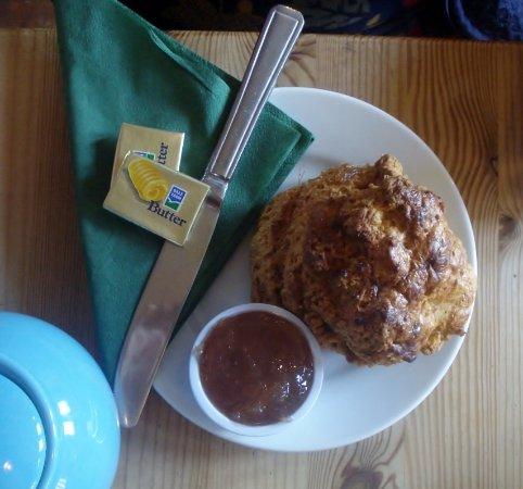 Moreton, UK: Ginger Scone