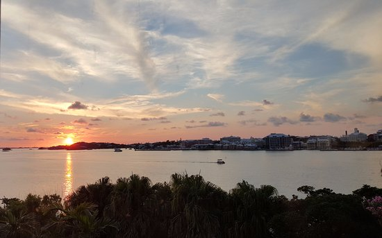 Paget, Bermuda: Beautiful Views from our Salon