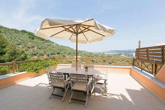 Vasilias, Greece: Io's veranda