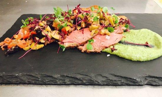 Bradford-on-Avon, UK: Beef Carpiccio, Horseradish & Rocket Purée, Melba Toast & Sauce Verge