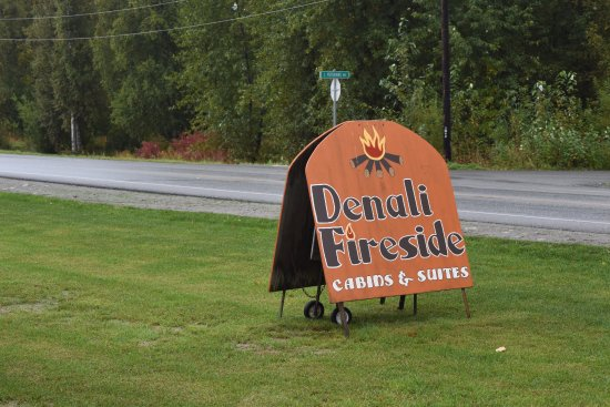 Denali Fireside Cabins & Suites: Sign for Denali Firside